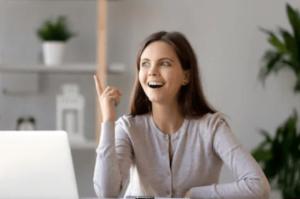 AXIORY(アキシオリー)に関する説明に納得した女性 - AXIORY(アキシオリー)のメリット デメリット 口コミ 口座開設